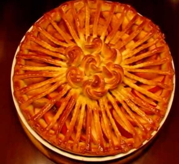 Как сделать пирог с яблоками из дрожжевого теста