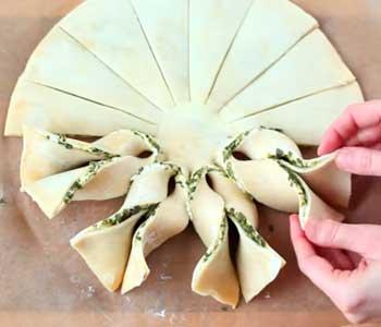 как готовится творожная начинка для пирога из слоеного теста