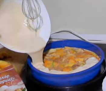 заливное тесто на кефире для пирога с тыквой и яблоками