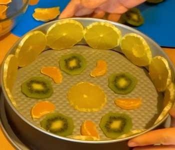 рецепт бисквитного торта с фруктами ягодами и желе