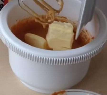 готовим торт муравейник из печенья со сметаной и сгущенкой