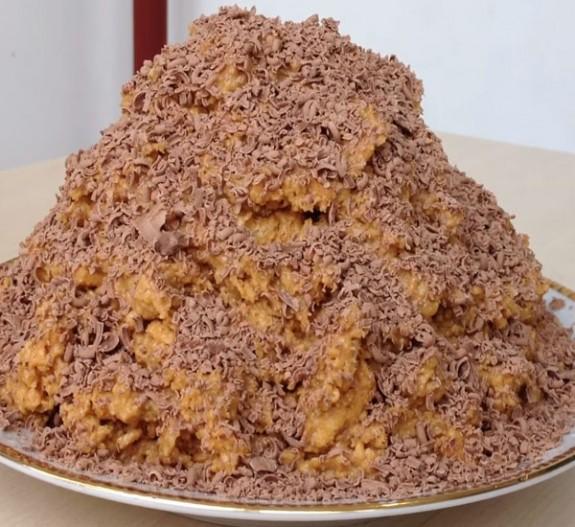 Пирожное муравейник из печенья и сгущенки