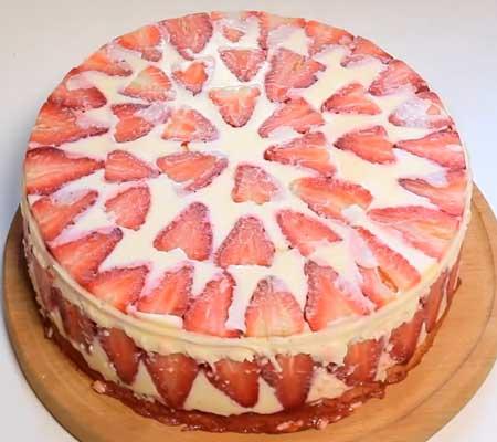 торт с желе и фруктами творожно бисквитный